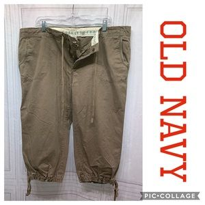 Old Navy Khaki Capris Size XL